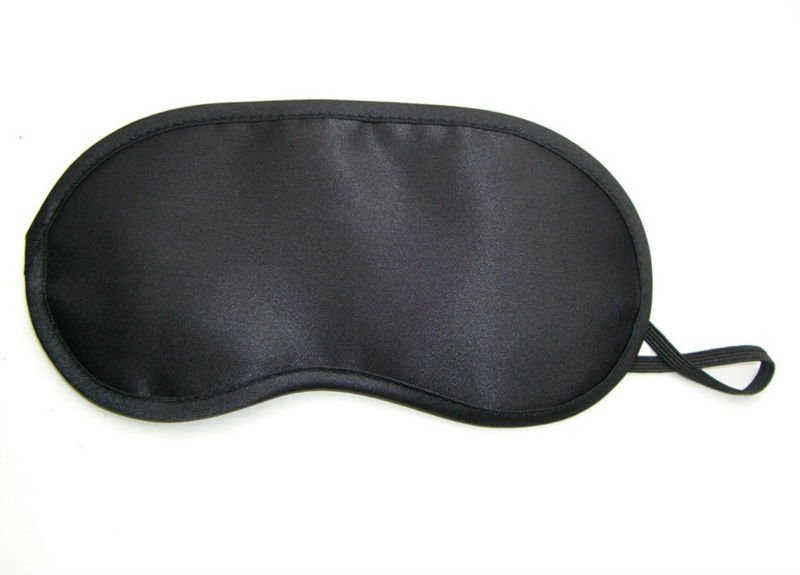 Black Pwugwes sleep mask