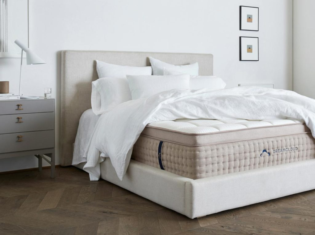 Dreamcloud mattress with sheets