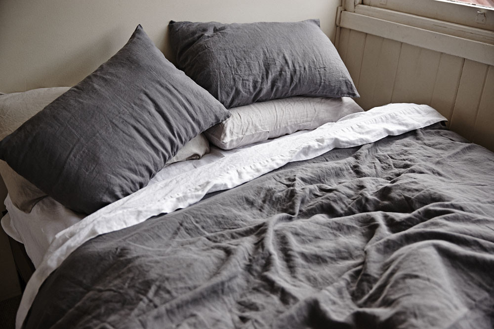 Cultiver linen duvet cover on bed